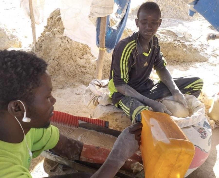 Niger : Des enfants, souffre-douleur des sites aurifères du Nord